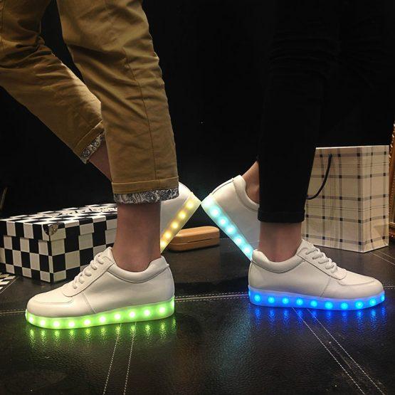 Adidasi LED unisex